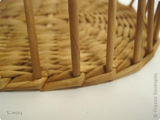 DIY-Beautiful-Ribbon-Paper-Basket-from-paper-Tube07.jpg