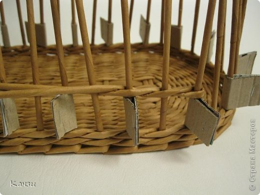 DIY-Beautiful-Ribbon-Paper-Basket-from-paper-Tube09.jpg