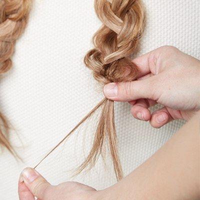 DIY-Chic-Braided-Chignon-hairstyle04.jpg