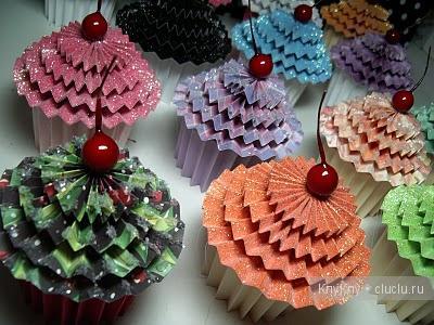 DIY-Cute-paper-cupcake-Ornament01.jpg