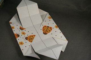 DIY-Paper-origami-gift-box08.jpg