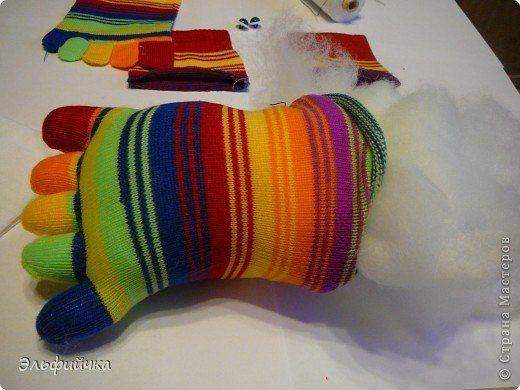 DIY-Sock-Crab-Pillow03.jpg