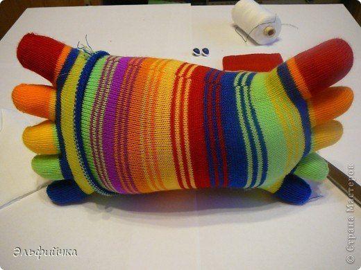DIY-Sock-Crab-Pillow04.jpg