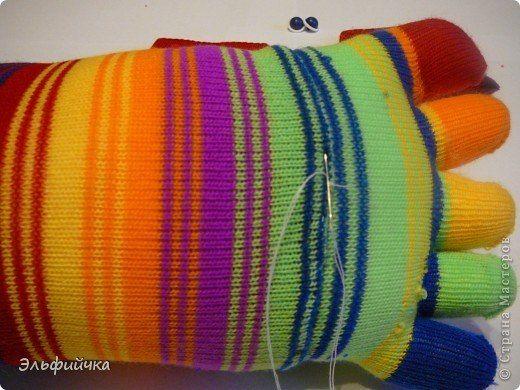 DIY-Sock-Crab-Pillow05.jpg