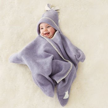 DIY-Star-Baby-Wrap-Blanket06.jpg