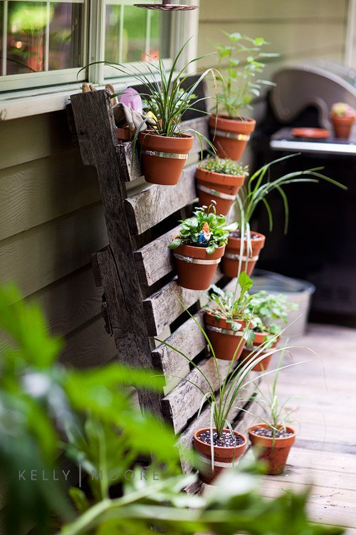 34 DIY Projects You Need To Make This Spring8 - Lovely pallet planter