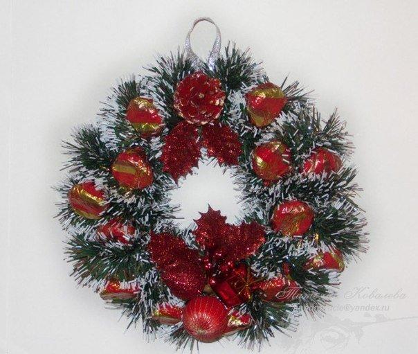 Christmas-wreath-with-chocolates5.jpg