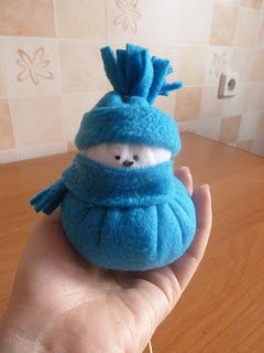 DIY Felt Snowman Tutorial- Easy Sew Snowman for Beginner 14