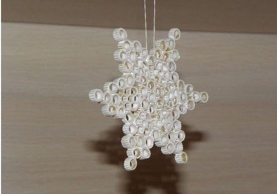 Diy pasta snowflake ornament for christmas diy pasta snowflake ornament for christmas7g mozeypictures Image collections