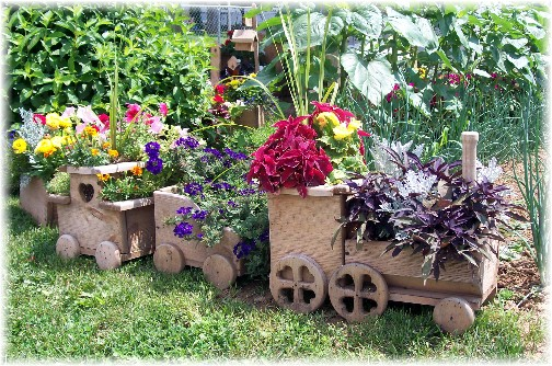 Diy Wooden Choo Choo Train Planter Tutorial