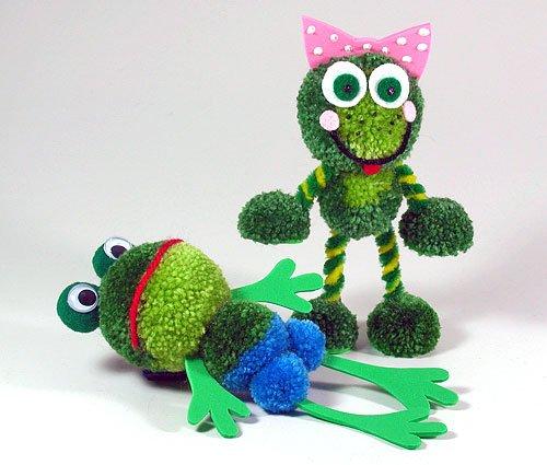 Fab Design on Yarn Pom Pom Animal Figures - Pom Pom Frog