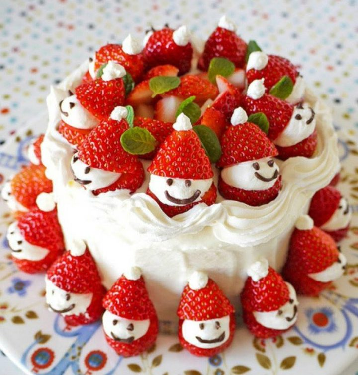 DIY Strawberry Santa Cake Recipe-Video