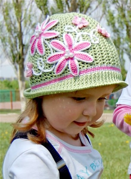 crochet-girls-vintage-hat-with-rose2.jpg
