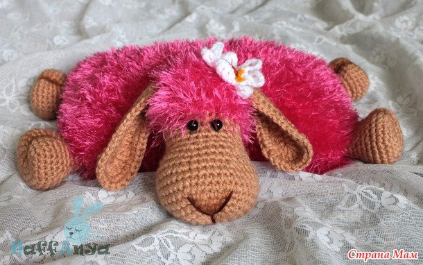 crochet-lamb-pillow14.jpg