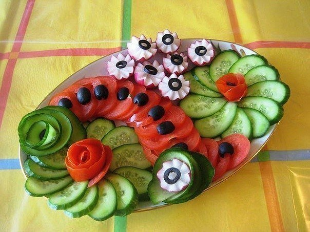 DIY-Festive-Fruit-Platter-for-Christmas-and-Holiday3.jpg