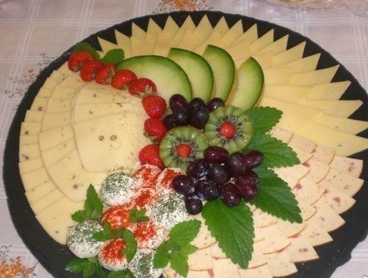 DIY-Festive-Fruit-Platter-for-Christmas-and-Holiday6.jpg