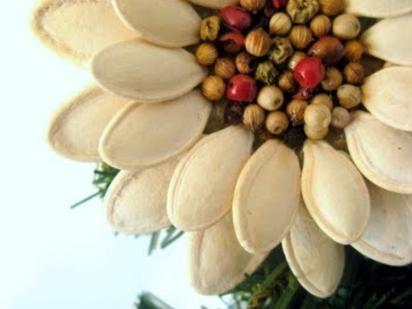 DIY-Pumpkin-Seed-Flower-Christmas-Ornament6.jpg