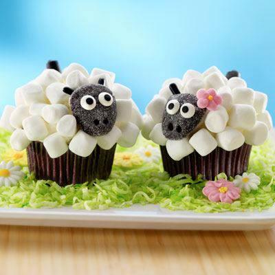DIY Marshmallow Sheep Cupcakes2