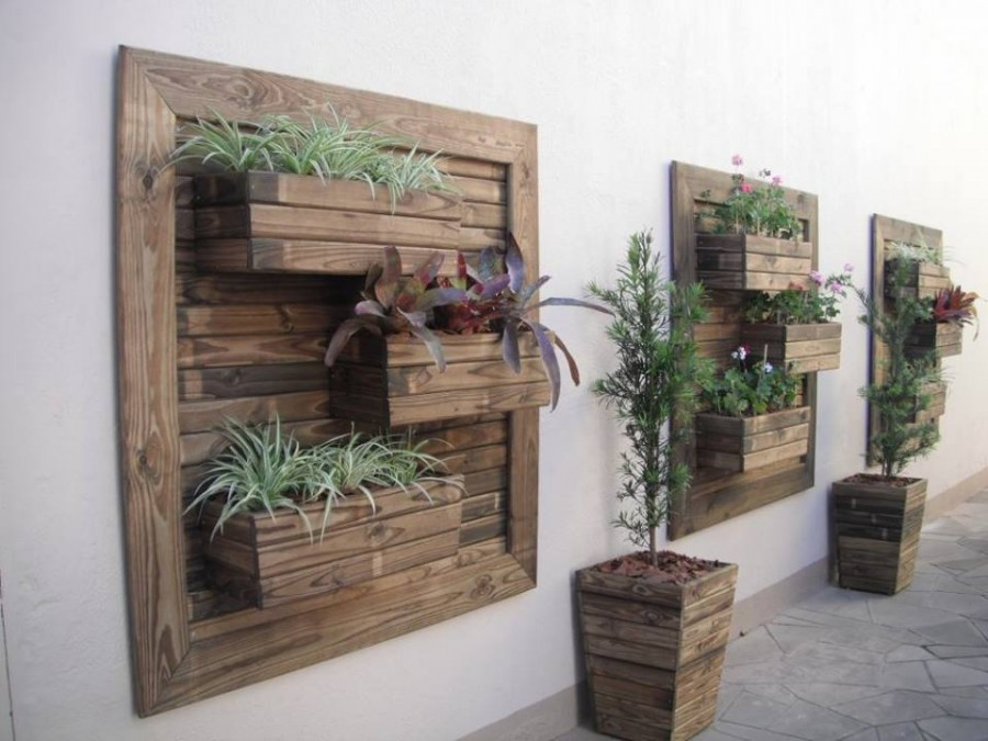 how to diy vertical wall garden planter