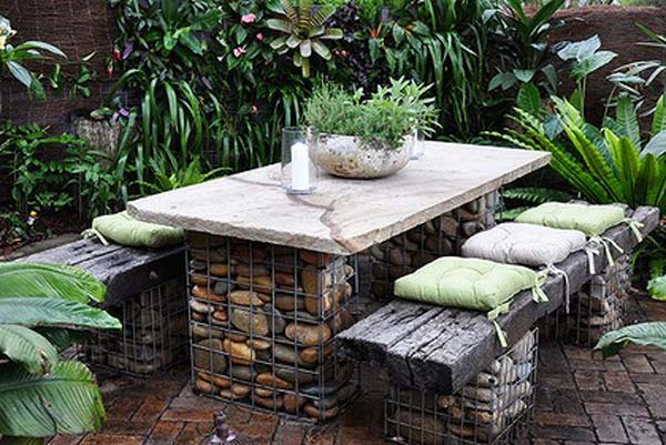 20+ Fabulous DIY Garden Decorating Ideas with Pebbles and Stones10-Stone garden bench.