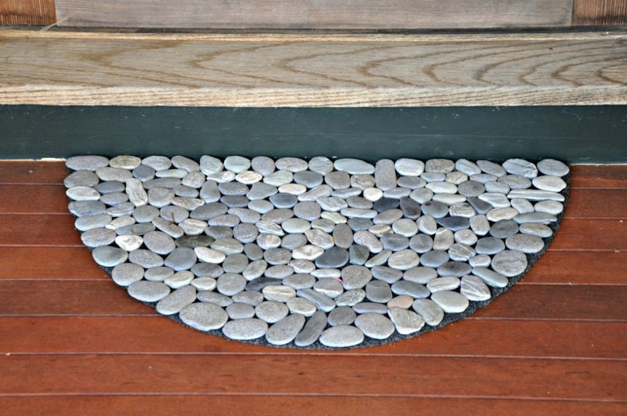 20+ Fabulous DIY Garden Decorating Ideas with Pebbles and Stones7