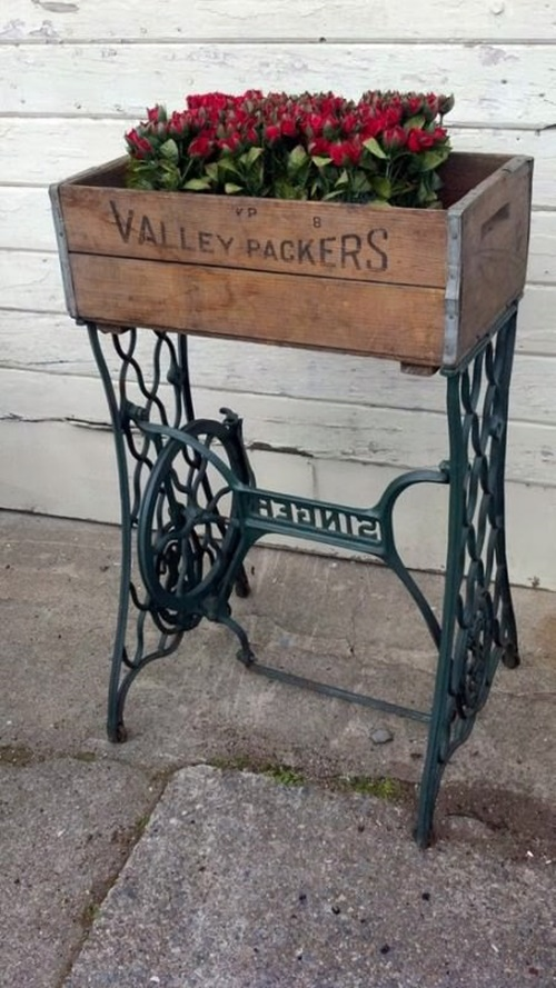 30+ FabArtDIY Ideas to recycle your old sewing machines
