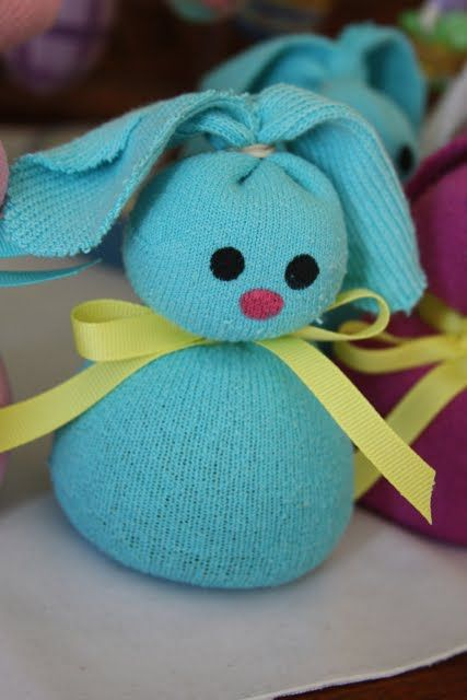 10+ Sew Sock Bunny DIY Tutorials Round Up - NO Sew Sock Bunny DIY Tutorial