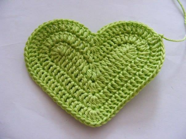 Fab Art DIY Crochet 3D Heart free pattern07