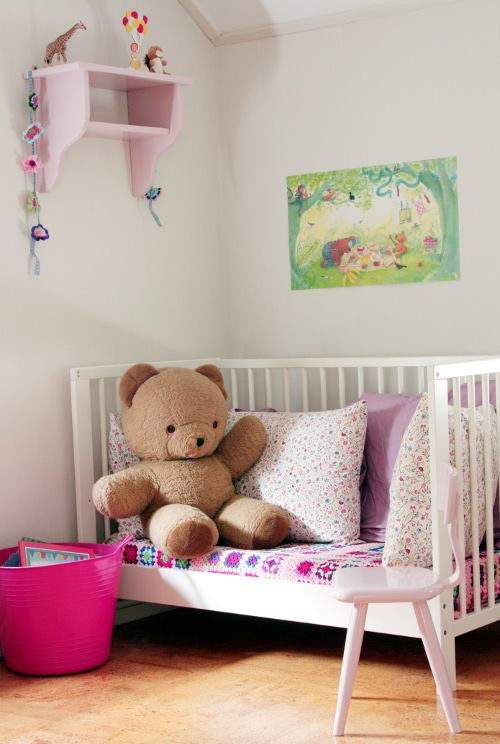 Fab Art DIY Furnitures from Repurposed Baby Cribs12