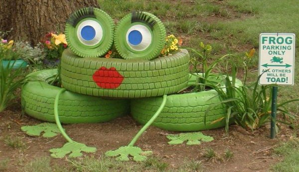 DIY Frog Tire Planter-20+ DIY Ways to Repurpose Old Tires for Home and Garden