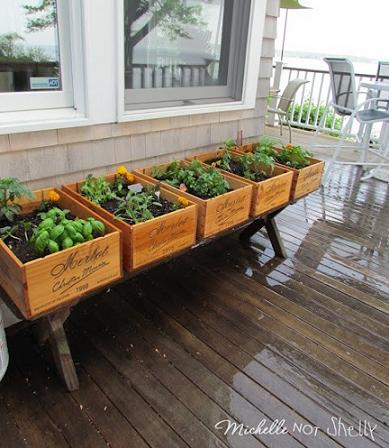 30 fab art diy wood crate up cycle ideas and projects for Wooden wine box garden