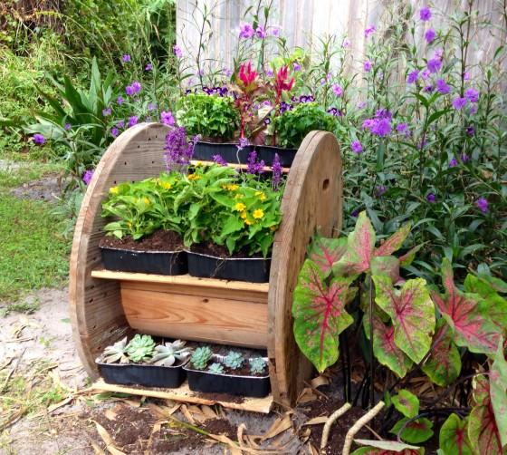 fabartdiy Repurposed Wire Spool Furniture Ideas - diy wire spool planter