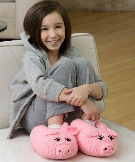 Crochet and Knit Animal Slippers Free Patterns - Crochet Pig Slippers Free Pattern