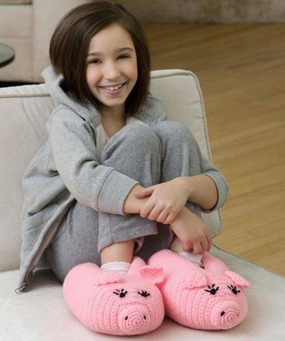 DIY Cute Crochet Knit Animal Slippers www.FabArtDIY.com