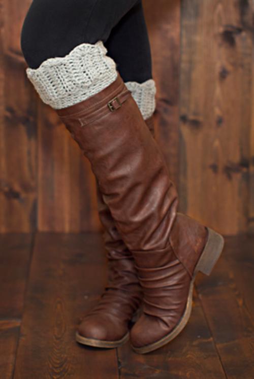 DIY Crochet Boot Cuffs Free Crochet Patterns -Scalloped Boot CuffsFree Crochet Pattern