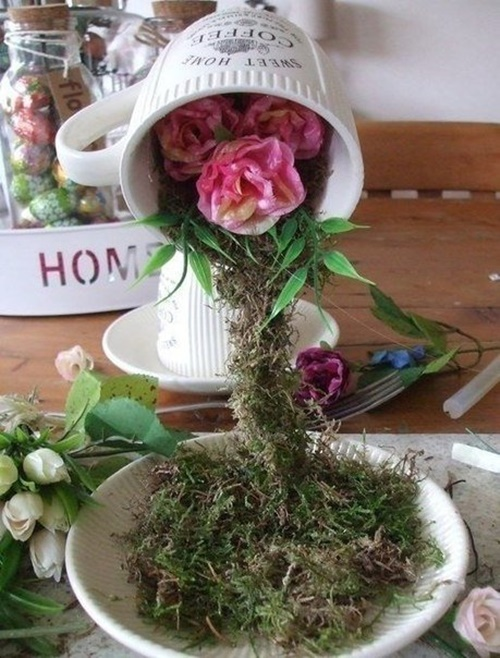 FabArtDIY Easter Egg Tabletop Flying Cup Topiary