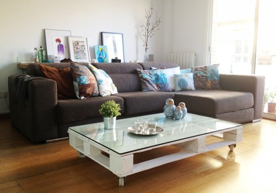 DIY Pallet Home Decorating and Furniture Projects and Tutorials-DIY Pallet Coffee Table