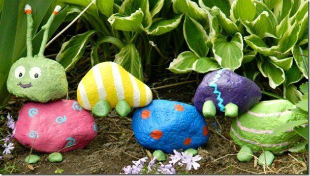 20 Fabulous Art DIY Garden Projects for This Spring - rock caterpillar