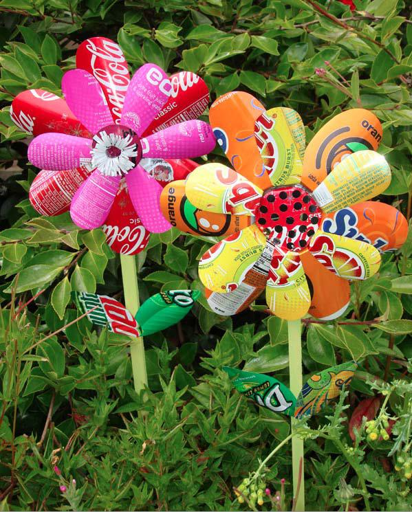 20 Fabulous Art DIY Garden Projects for This Spring - whimsical soda can pinwheels