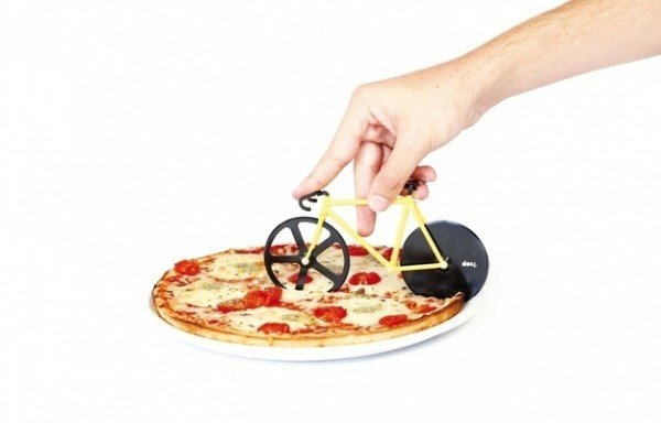 25+ Cool and Practical Kitchen Gadgets For Food Lovers.- Bicycle Pizza Cutter