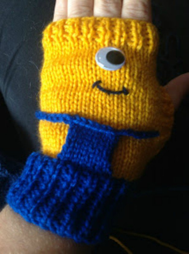 DIY Knit Minion Gloves Free Knitting Pattern
