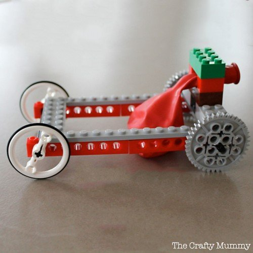 30+ Amazing Ways To Keep Your Kids Busy All Summer Lon30 - DIY Balloon powered lego car