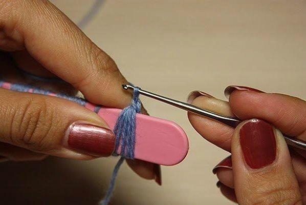 DIY del modelo del cordón del ganchillo del palo de escoba con Popsicle palo