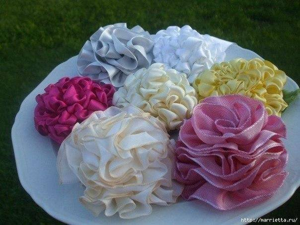 DIY Ruffled Ribbon Flower