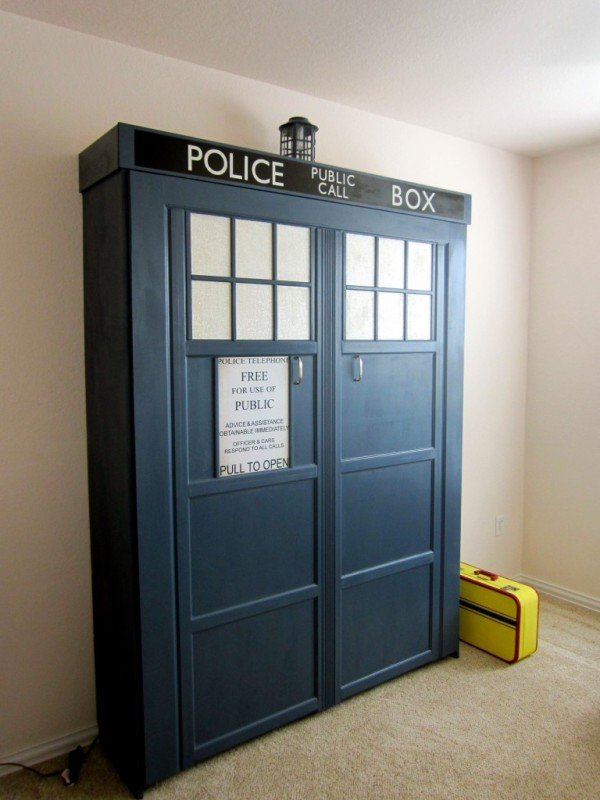 How to DIY Tardis Murphy Bed