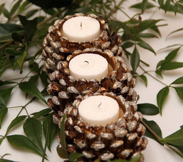 10 Gorgeous Holiday DIY Candle Ideas