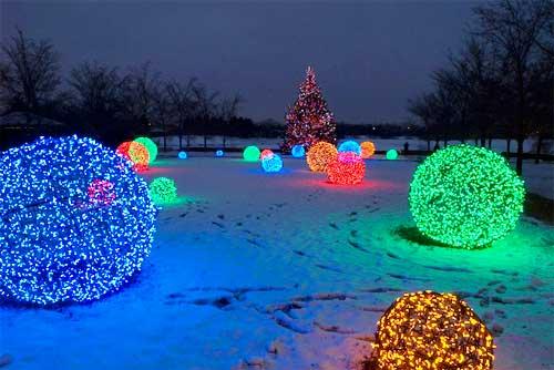 DIY LED String Light Giant Chicken Wire Christmas Light Ball Tutorials - Video