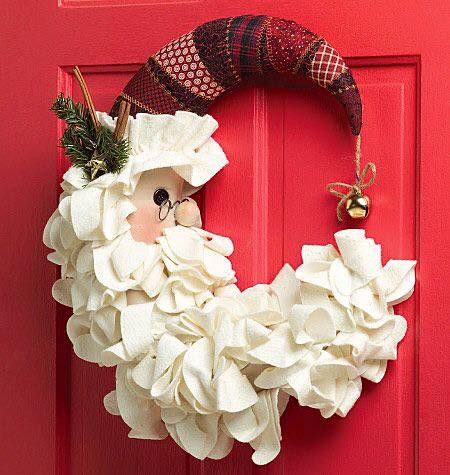 Christmas Craft: DIY McCalls Santa Wreath Tutorial