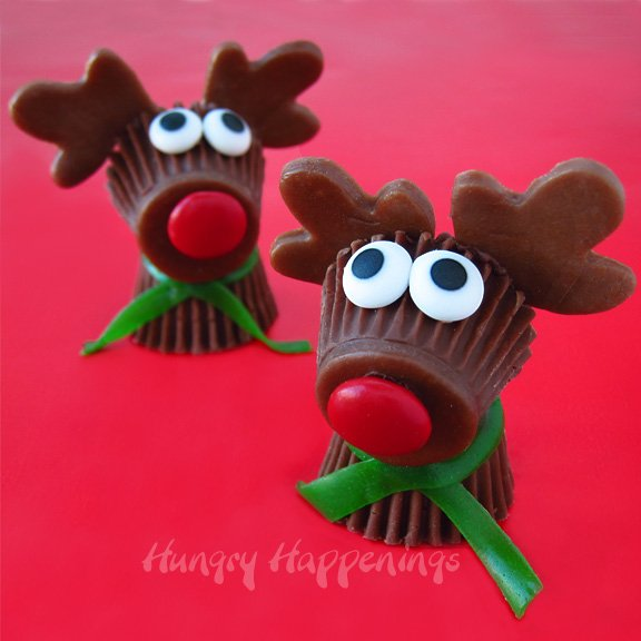 20+ Super Cute Christmas Treats DIY Ideas For This Holiday - Reese's Cup Rudolph the Red Nose Reindeer Treats for Christmas Tutorial