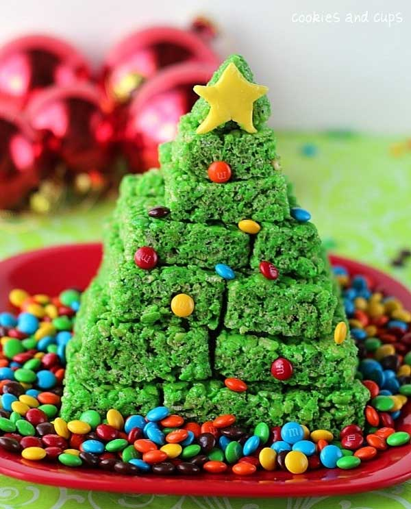 20+ Super Cute Christmas Treats DIY Ideas For This Holiday - KrispieTreatChristmasTree Tutorial